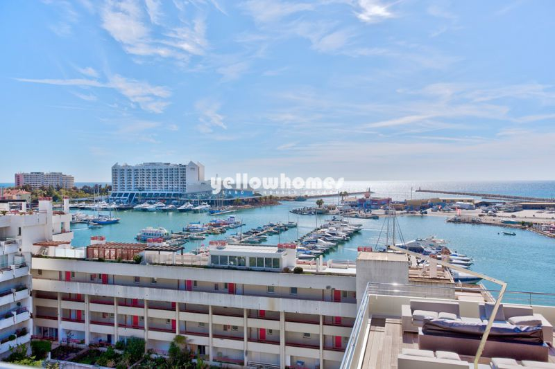 Rare opportunity: Modern 2 bedroom apartment at the Marina of Vilamoura